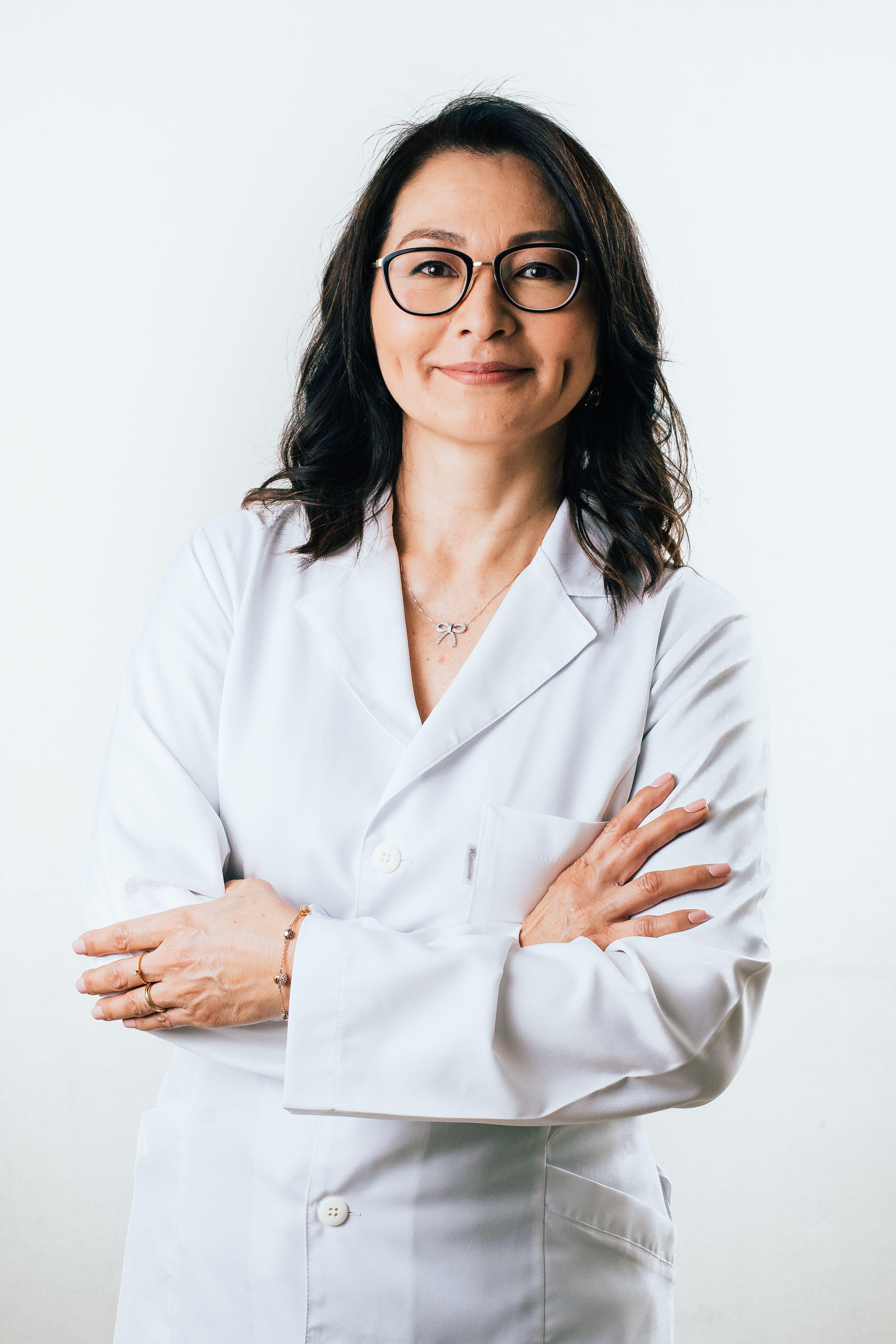 Dra. Elizabeth Imagawa