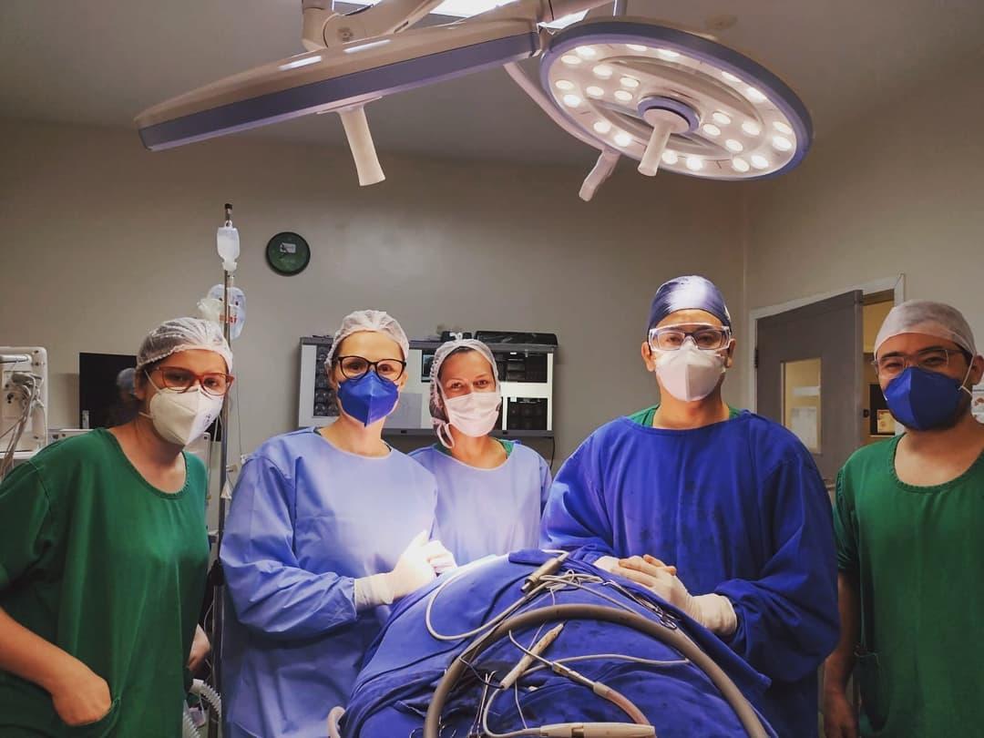Cirurgia para Ressecção de tumor e reconstrução mandibular