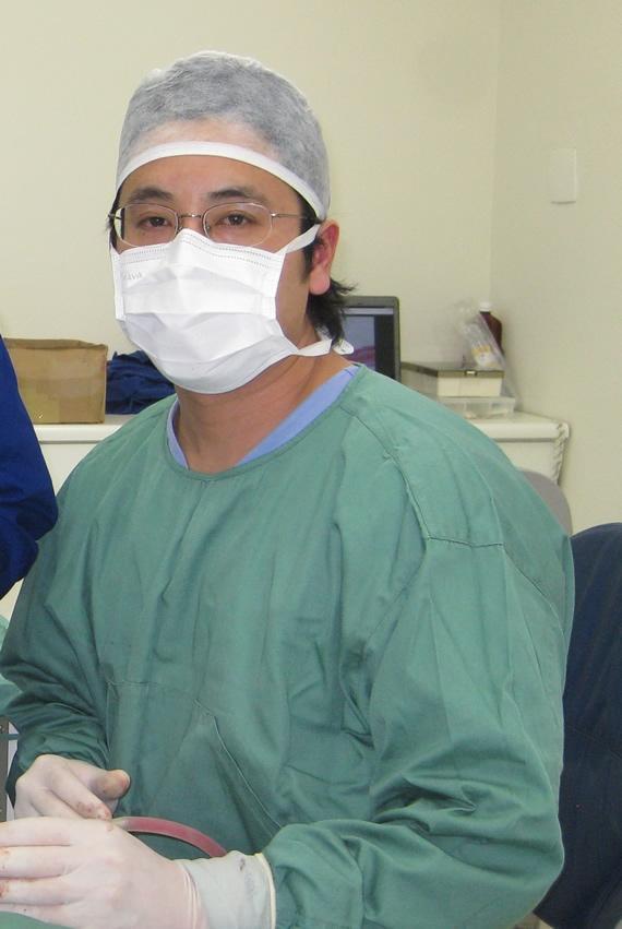 Pesquisa sobre regeneração óssea é tema de estudo de doutorado pelo cirurgião Marcos Guskuma