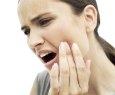 Automedicação em caso de dor de dente pode ser prática perigosa