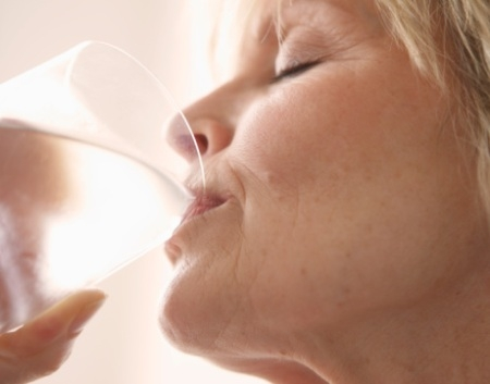 Boca seca pode prejudicar saúde bucal