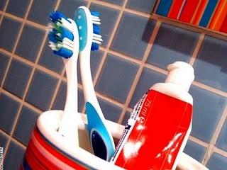 Cuidados com a escova de dente evitam contaminações