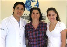 Dentista da Suécia visita a Maxillo Facial Center