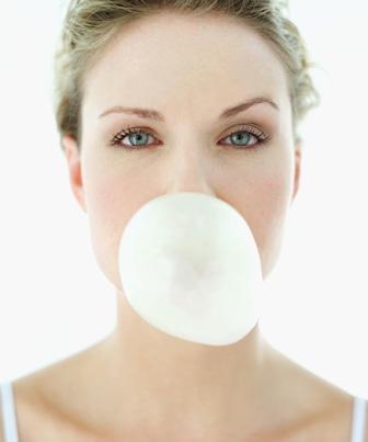 Gomas de mascar sem açúcar podem corroer os dentes