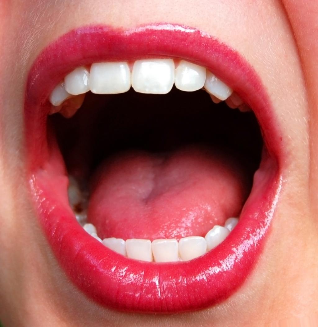 A importância do auto-exame na prevenção do câncer de boca
