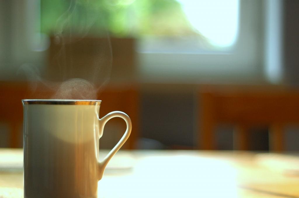 Bebidas quentes contribuem para o escurecimento dos dentes