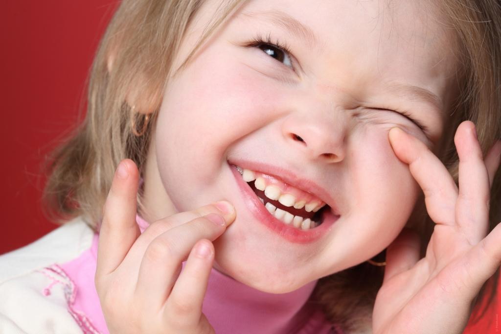 Vitamina D reduz o risco de cárie dentária em crianças
