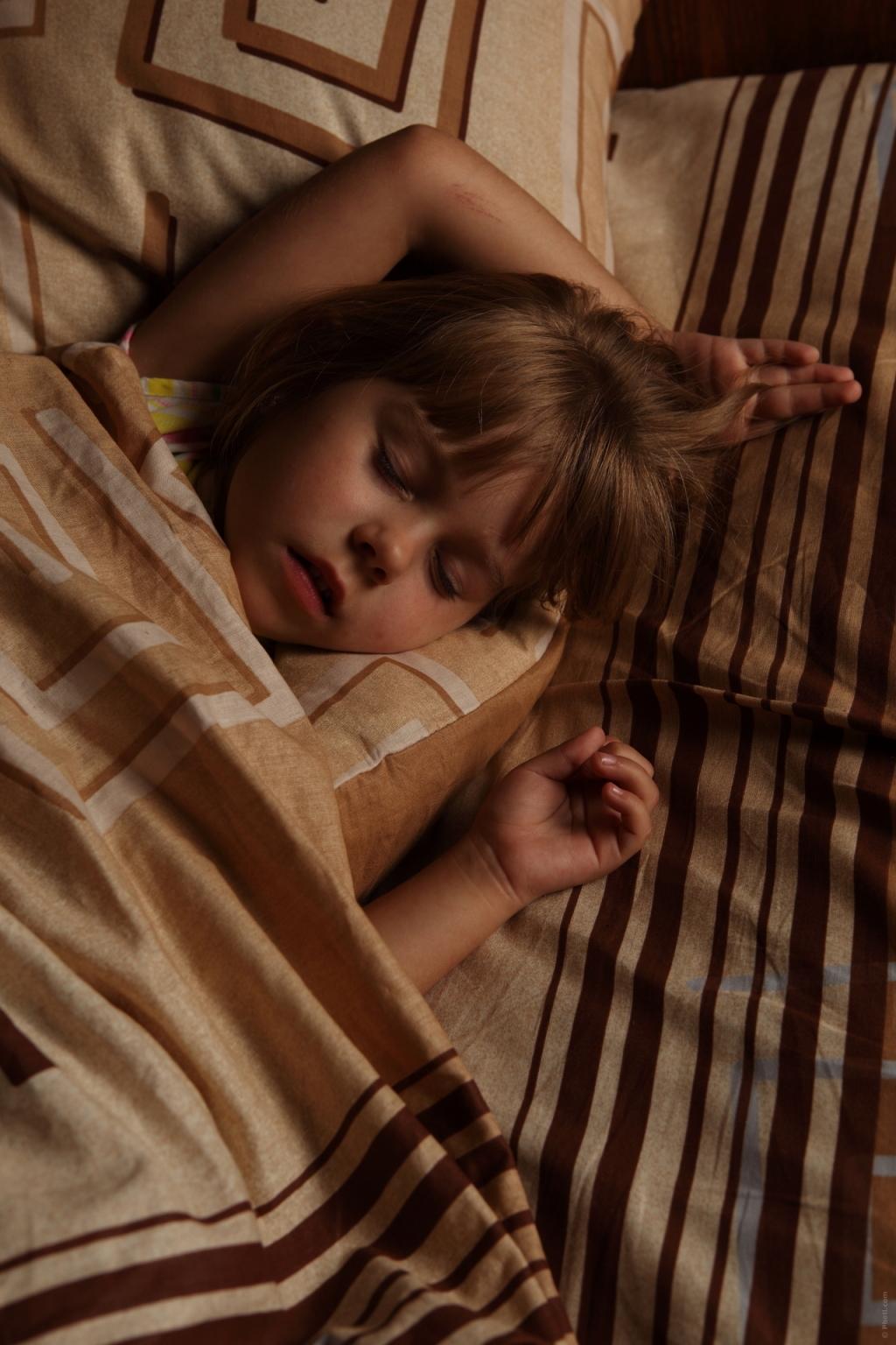 Investigação associa apneia em criança à malformação dentária