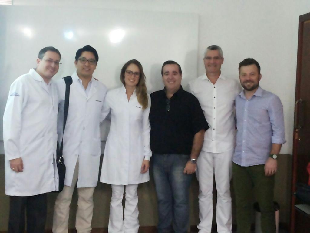 """Curso de Extensão Universitária de """"Cirurgia de dentes inclusos"""" da Universidade Norte do Paraná"""